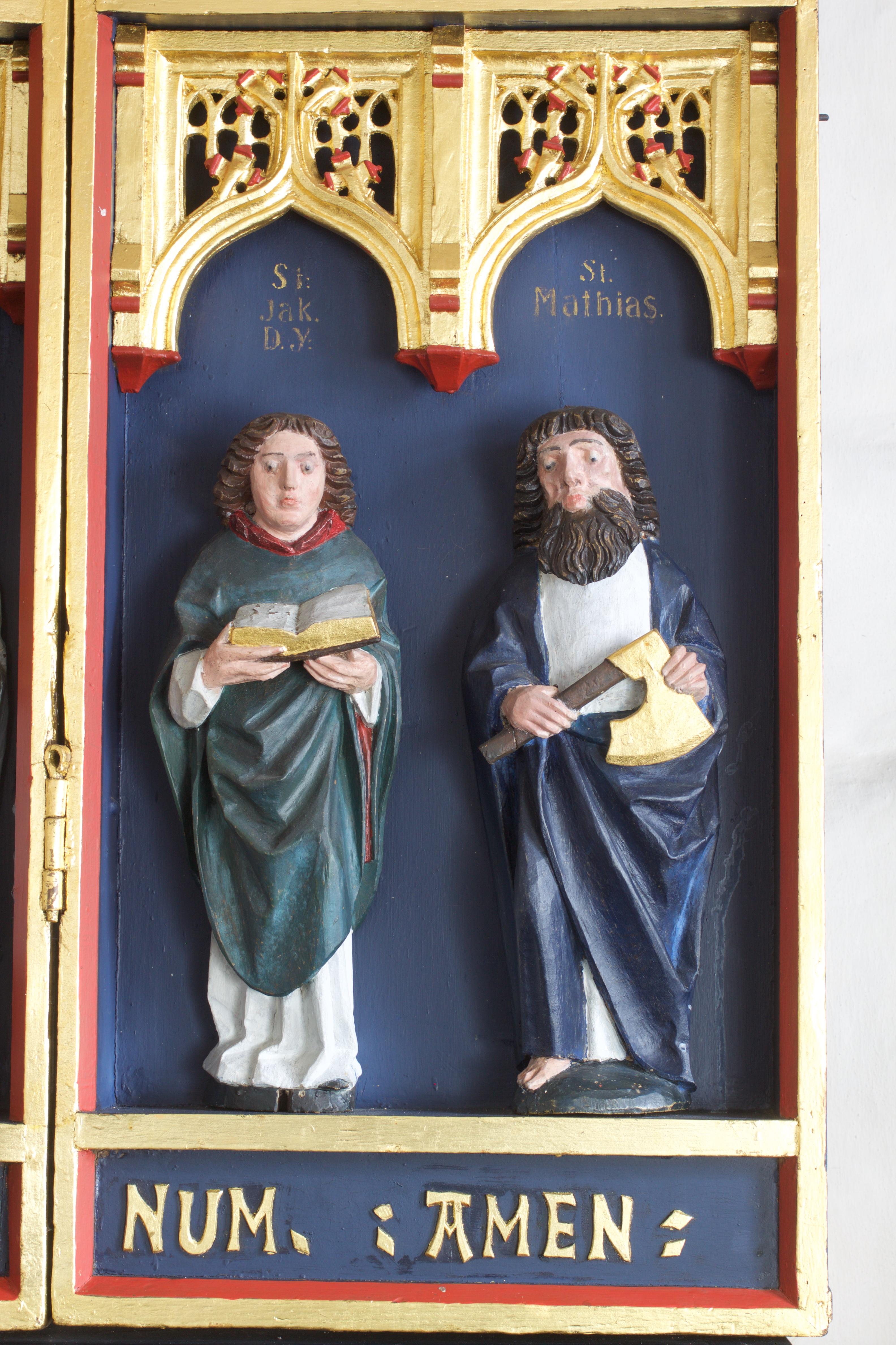 Jakob den yngre med bibel og Mathias med økse