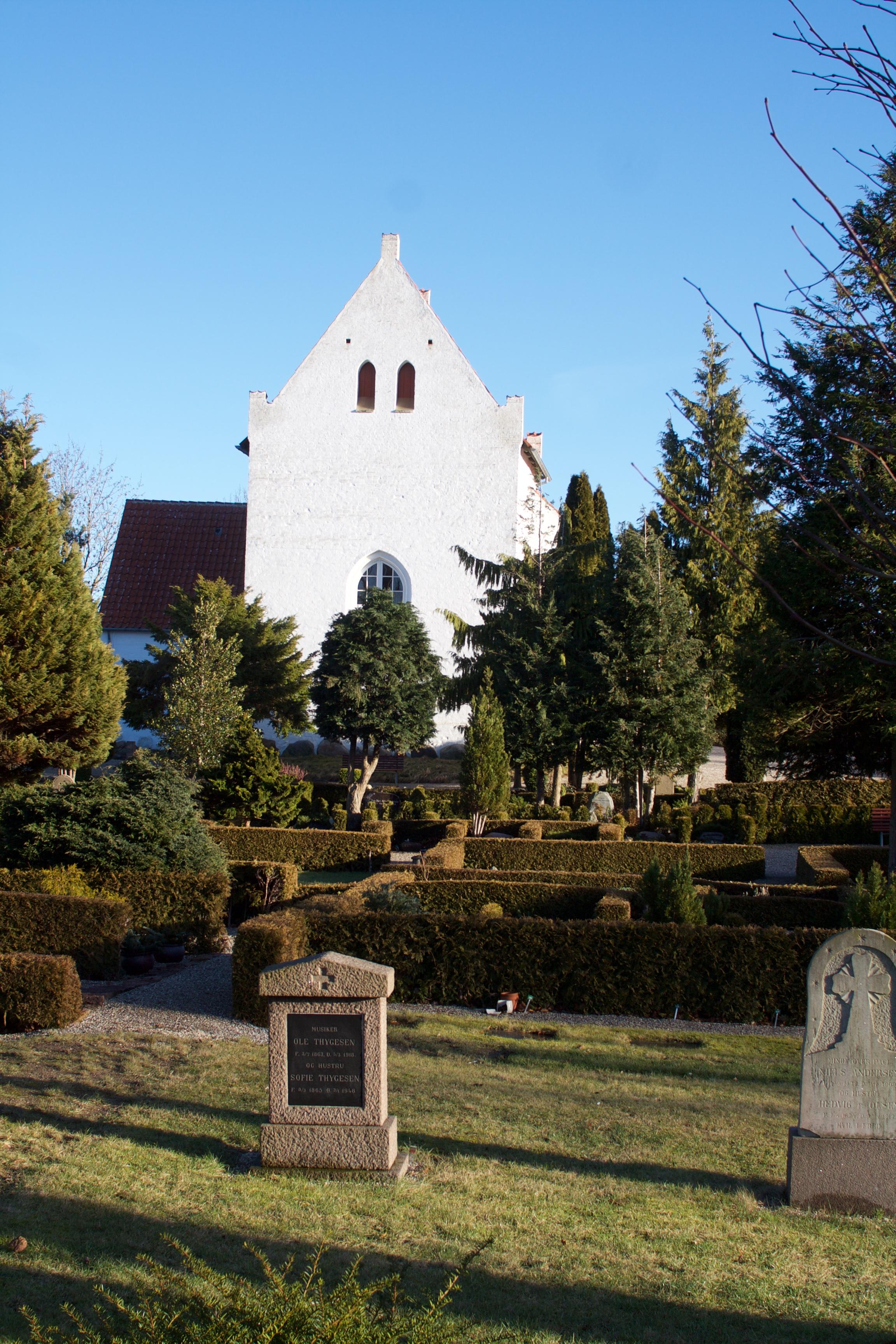 Gevninge kirkegård er en stemningsfuld have.